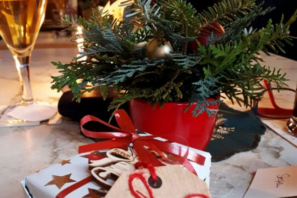 weihnachtsfeier_2018_12_02_004B8E04E5F-5C2A-B09A-0097-98A22754FE03.jpg