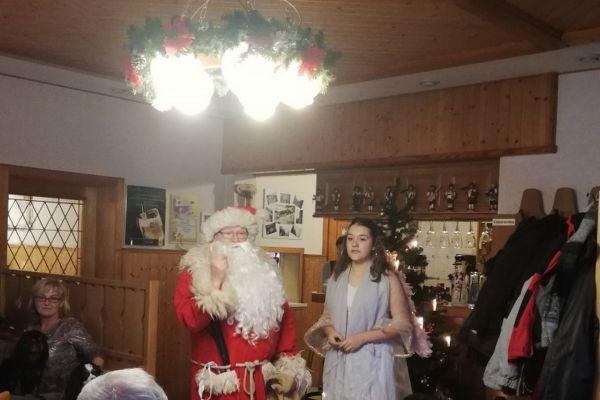 weihnachtsfeier_2018_12_02_02938092271-25DE-BE65-E23B-B17D8D20A3DB.jpg